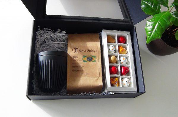 svieziai skrudinta kava